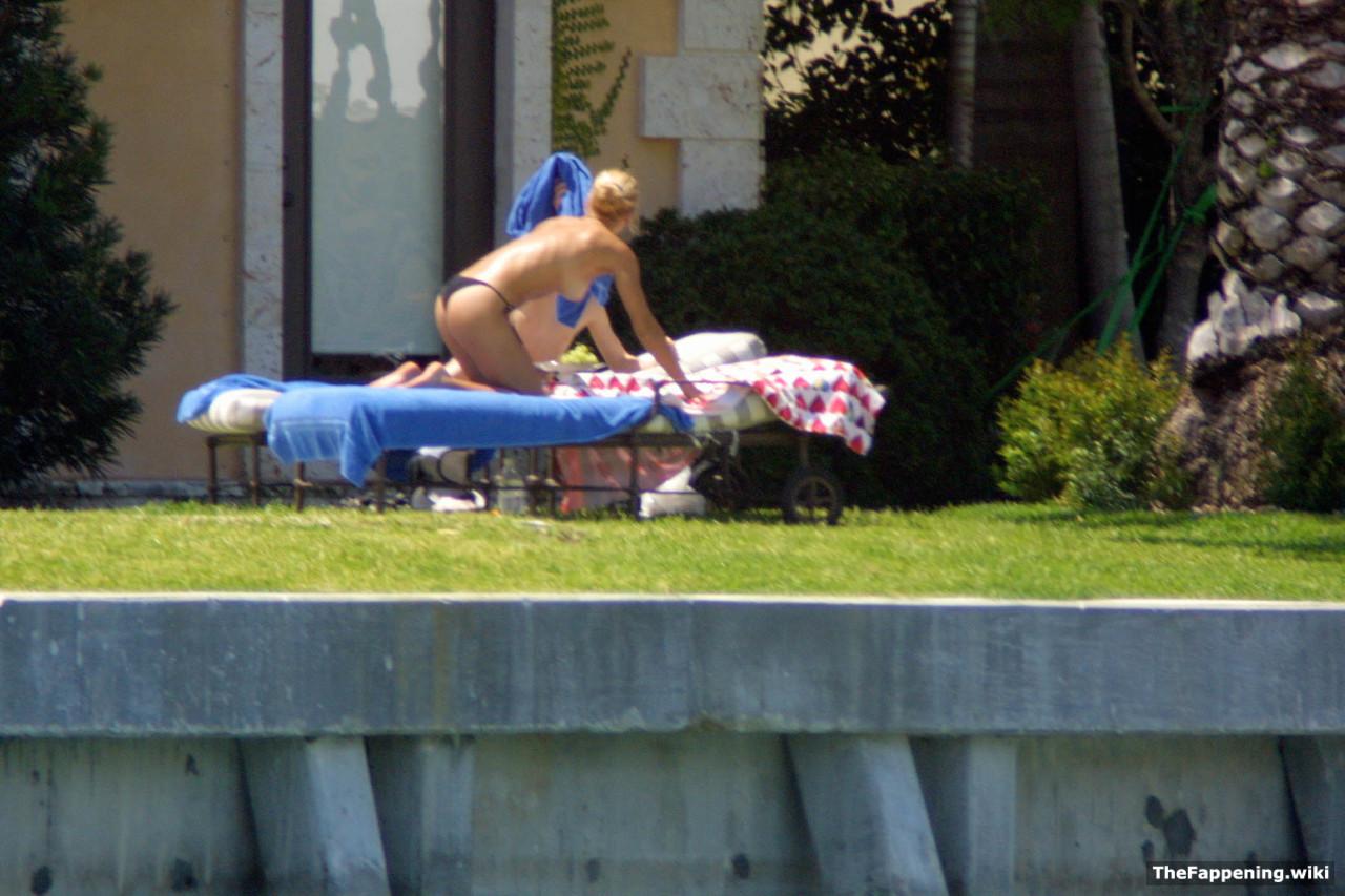Something is. nude anna kournikova tits