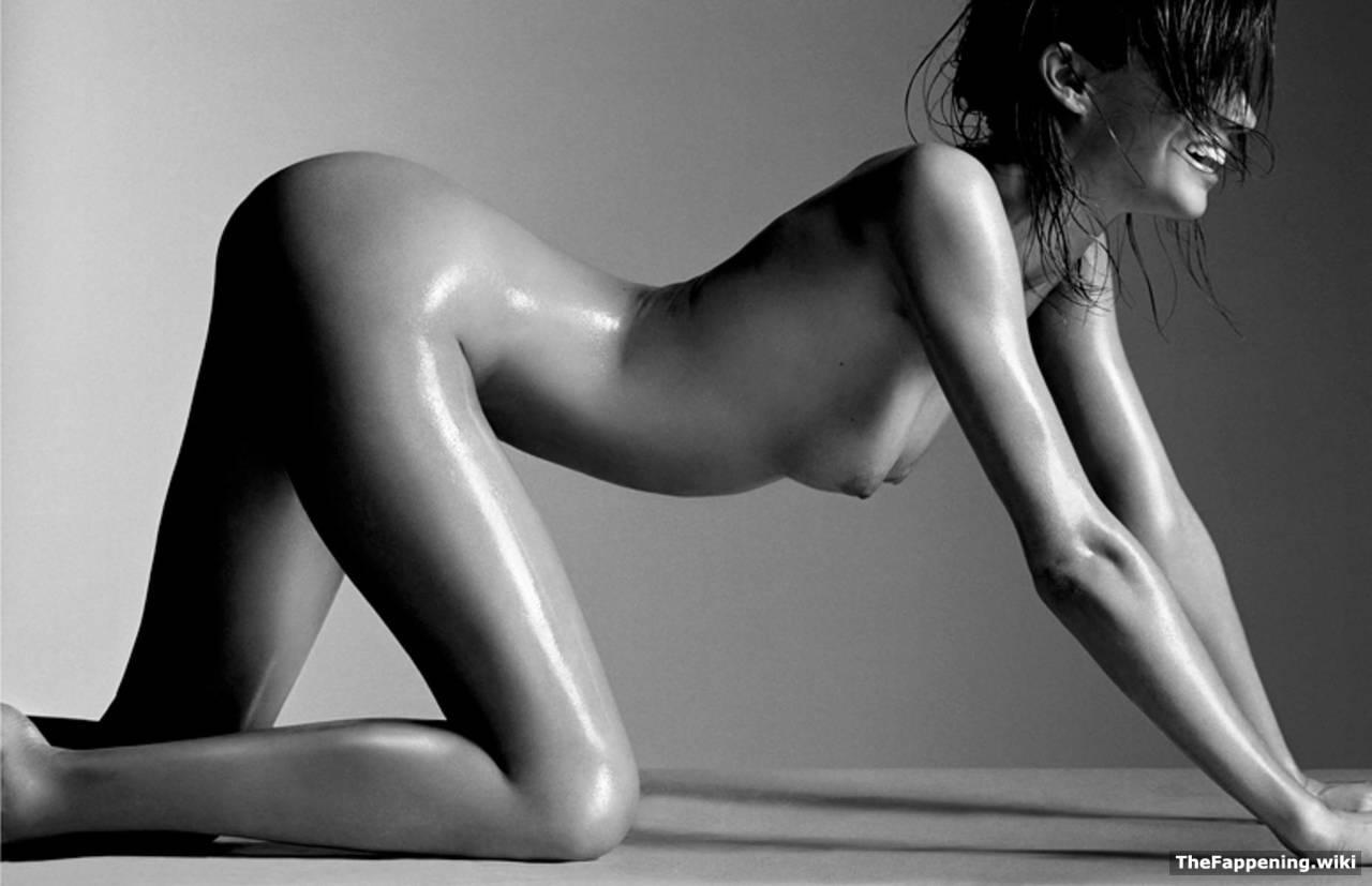 Sexy naked black super modles