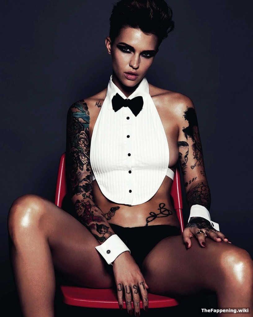 sexy naked ruby rose
