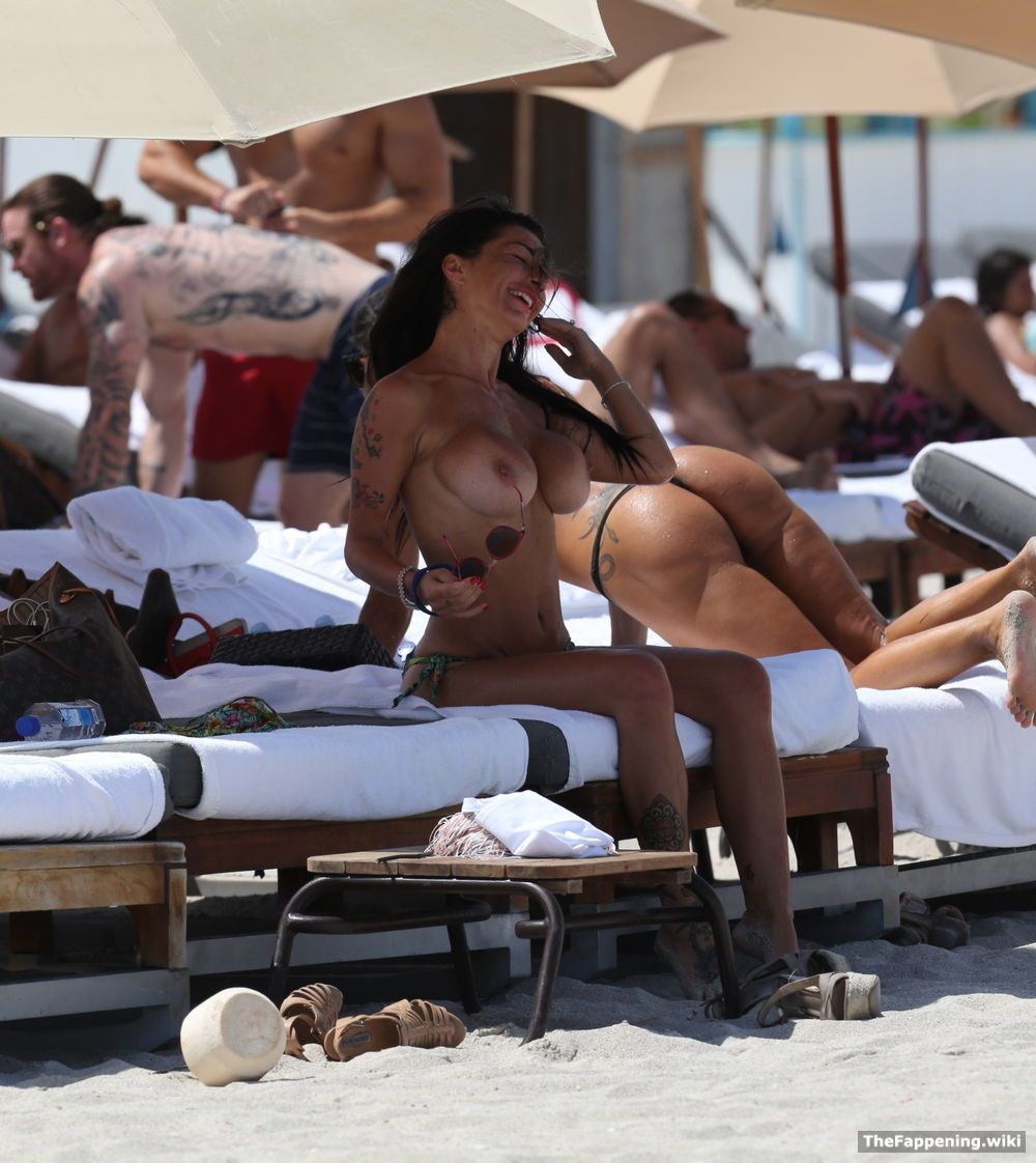 Topless priscilla salerno