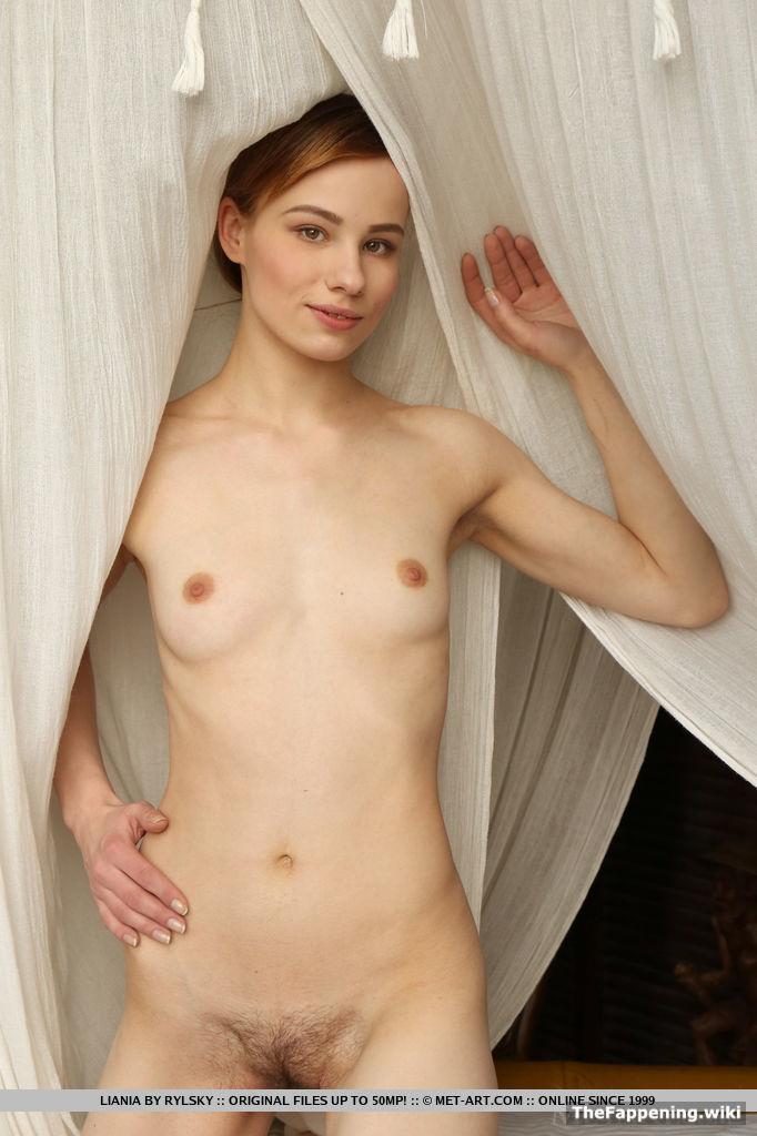 emily symons nude pics