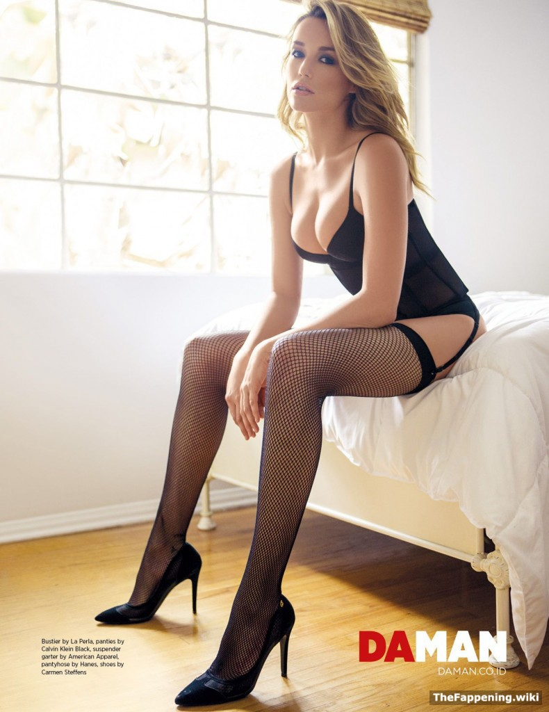 Sarah Dumont Nude Pics & Vids - The Fappening