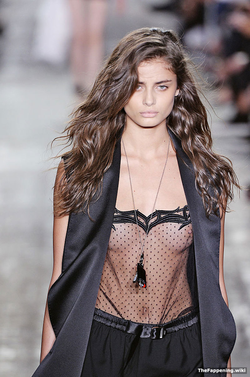 photo Taylor marie hill naked