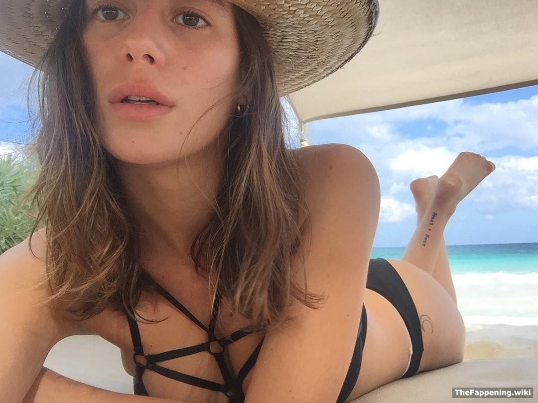 guilmant nude Alejandra
