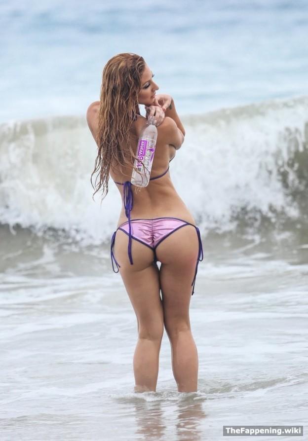 Nackt  Jessica Melody Hard Pole
