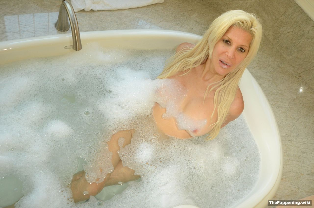 nude (64 photos), Leaked Celebrity pic