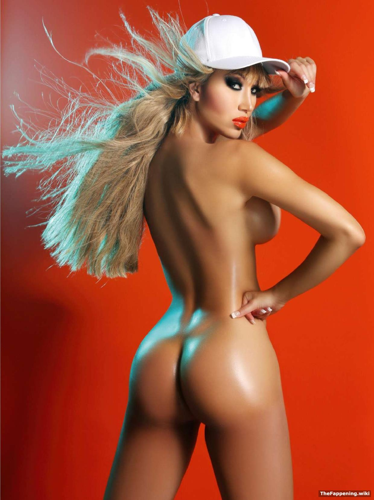 Секс модель моника васева фото