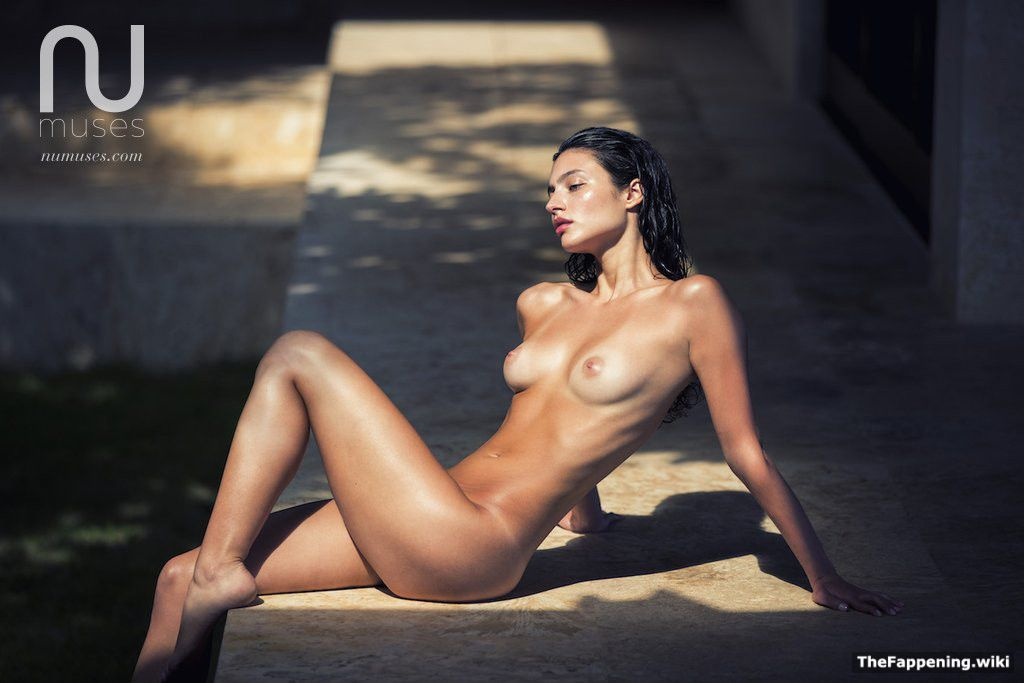 Isabelle nude pics