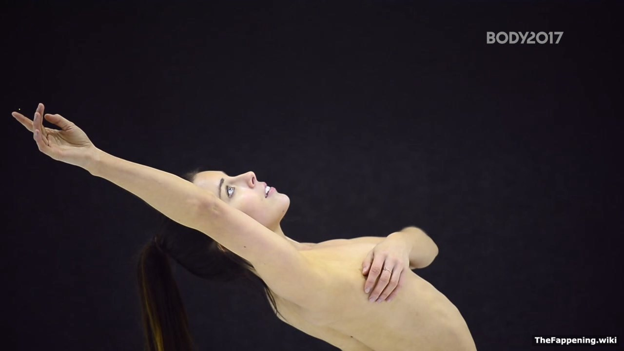Khloe kardashian nude pool advise