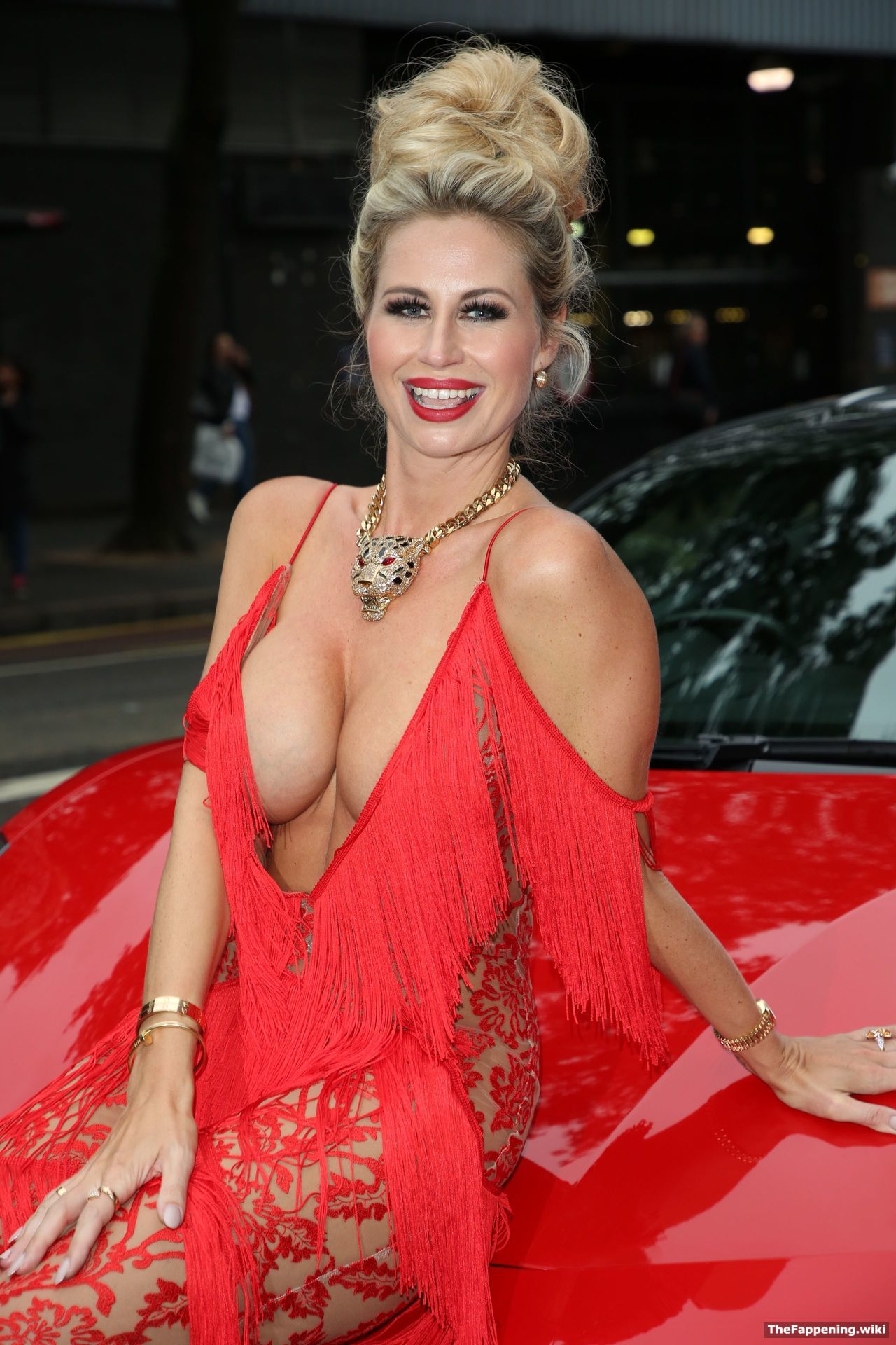 Dee  nackt Ester Nude Porn