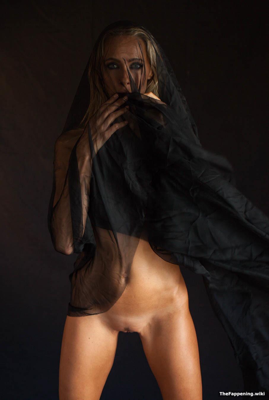 Avril lavigne sex tape - 2 part 3