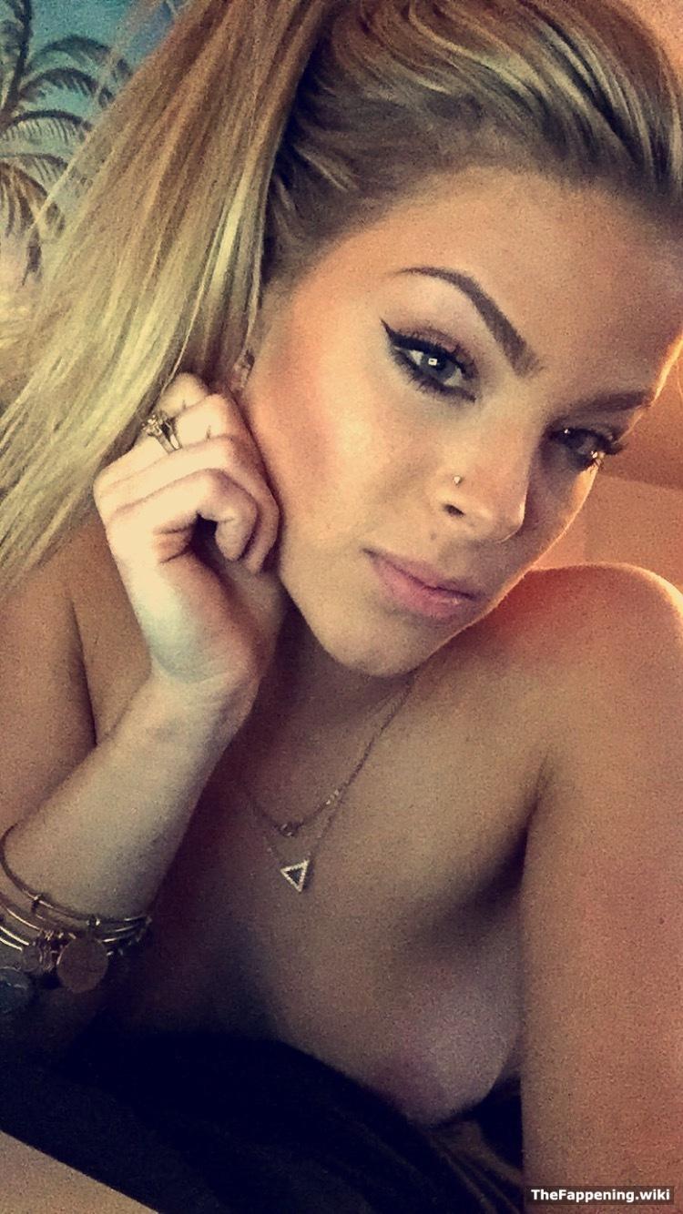 Blonde bombshell porn videos
