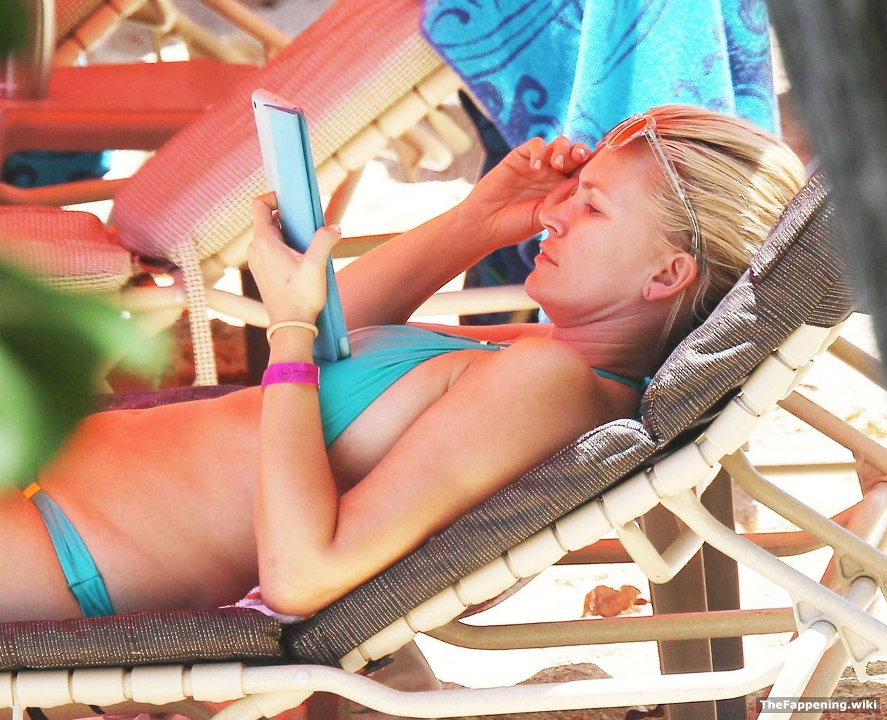 Natasha Henstridge Nude Pics & Vids - The Fappening