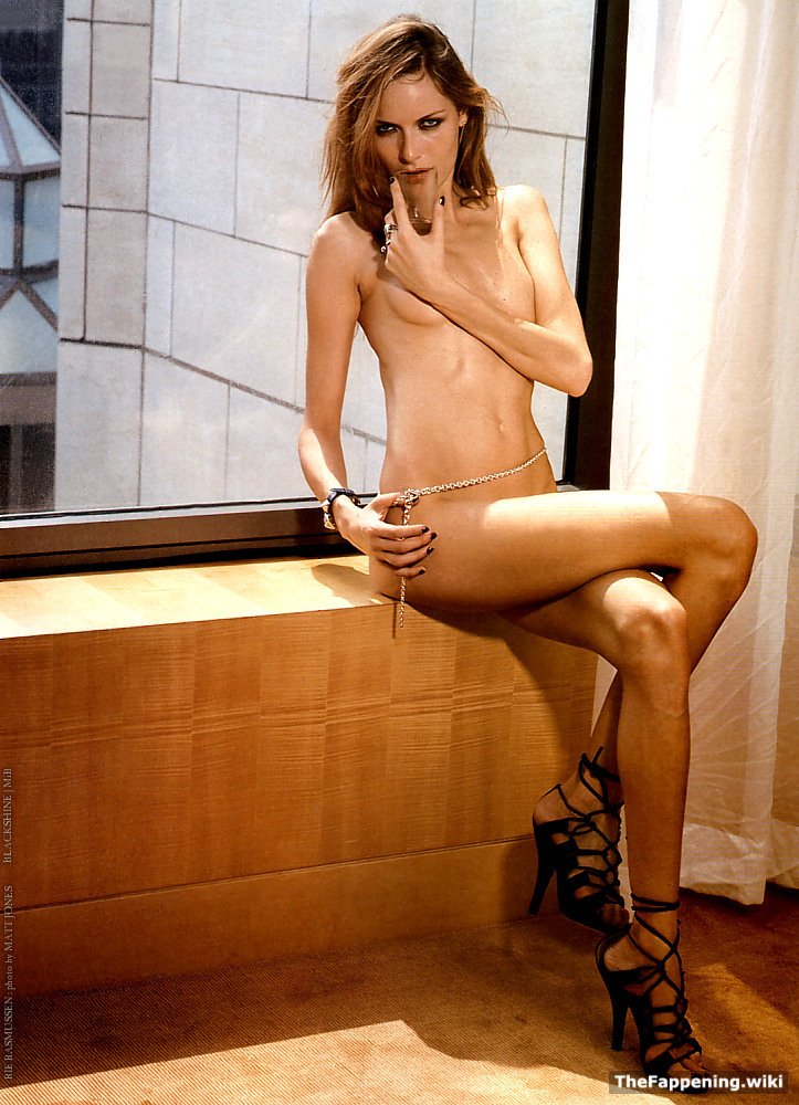 Rie Rasmussen Nude Pics  Vids - The Fappening-3458